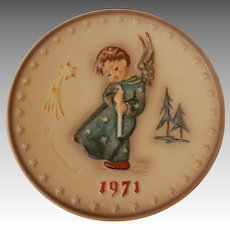 1971 Goebel Hummel Heavenly Angel Christmas Plate