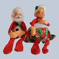 Annalee Mobilitee Santa Claus and Mrs. Claus Dolls