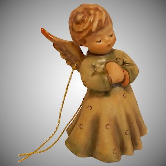 Goebel Hummel Peace On Earth Angel Ornament