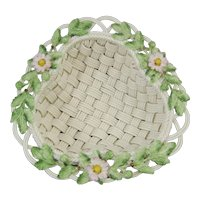 Belleek Annual 2000 Strawberry Basket