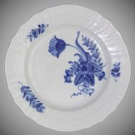Royal Copenhagen Porcelain Denmark Blue Flowers Curved 1624 Plate