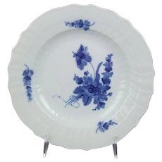 Royal Copenhagen Porcelain Denmark Blue Flowers Curved 10 Inch Dinner Plate 1 106 624 $49