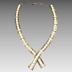 Retro White & Gold Mod Trifari Choker Necklace