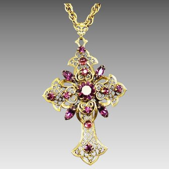 Vintage Rhinestone Cross Pendant Necklace Filigree