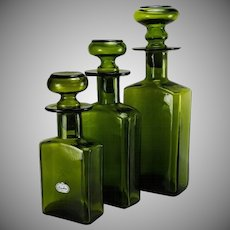 Vintage Rainbow Art Glass Mid Century Decanters Set 3 Green Graduated