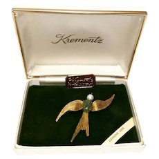 Krementz Jewelry Jade Swallow Bird Pin 14 Kt Gold Overlay Original Box