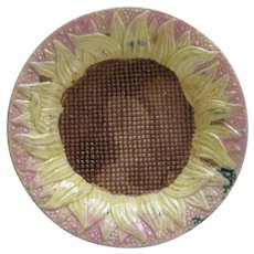 Etruscan Majolica Sunflower Plate In Pink