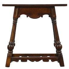 Carved Oak 1930 Vintage English Style End or Lamp Table #28726