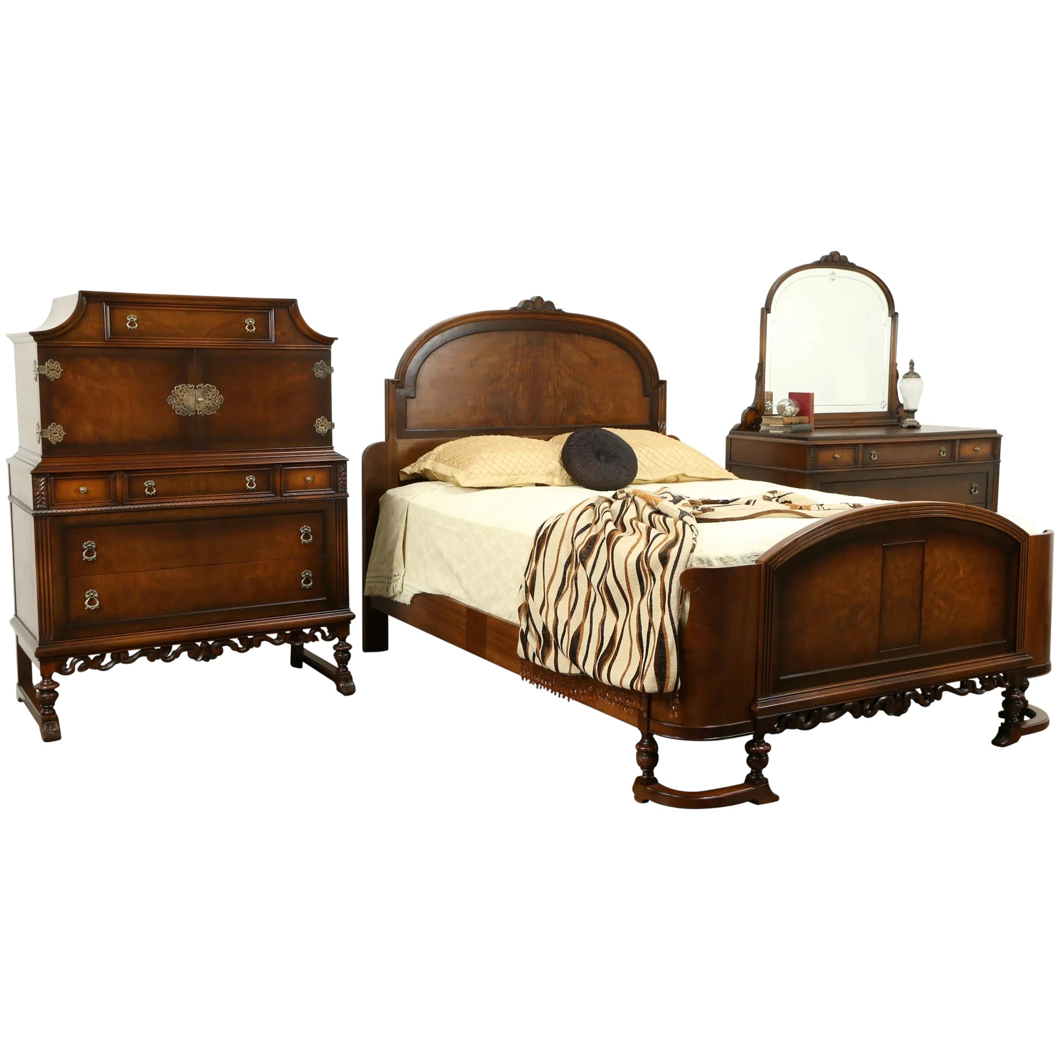 English Tudor Style Antique 1920 Walnut 3pc Bedroom Set, Queen Size Bed  #31125