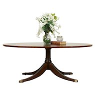 Traditional Oval Banded Mahogany Vintage Coffee Table, Ethan Allen #31532