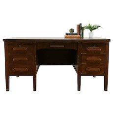 Craftsman Antique Quarter Sawn Oak Office or Library Desk, Muskegon MI #35088