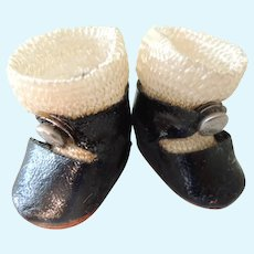 Vogue Ginny Black Center Snap Shoes and Rayon Socks