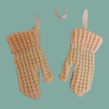 Lovely Little Knit Mittens for Your French or German Doll