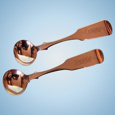 19th Century Pair New Brunswick Sterling Silver Fiddle Pattern Salt Spoons by William Venning