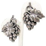 Vintage NAPIER GRAPE CLUSTER Earrings Silver Tone Grapes Designer Signed Clip On