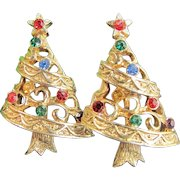 Vintage Rhinestone Christmas Tree Earrings Holiday Gold Tone Clip On