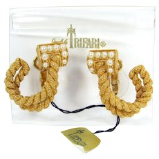 Crown Trifari Faux Pearl Clip On Earrings Gold Tone Twisted Rope