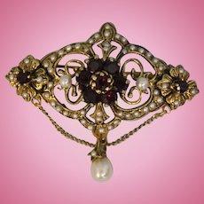 Lovely Ornate 18 Karat Yellow Gold Rhodolite Garnet and Cultured Pearl Brooch