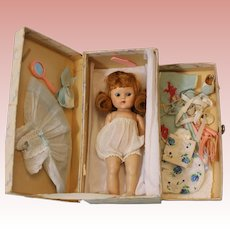 "8-1/2"" Strung painted lash 7"" Ginny doll TRUNK w. Outfits & Access 1950 Vogue"