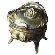 Charming ART NOUVEAU Jewelry Casket Ring Holder