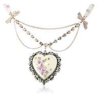 Betsey Johnson Feminine Vintage Bows Floral Heart Necklace