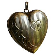 Antique Edwardian 10K gold Etched Two Hearts Pendant Locket by Barrows
