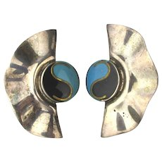 Mexican Taxco Sterling Silver Enamel Earrings Yin Yang Fan Wave