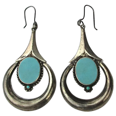 Vintage Sterling Silver Dangle Earrings w / Turquoise Center