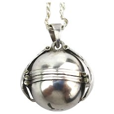 Taxco 925 Silver Photo Orb Pendant Necklace Foldout Room for 6