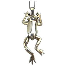 Sterling Silver Dancing Swaying FROG Pendant Necklace