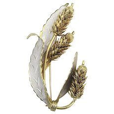Gold/Silver Tone Pin Brooch Rotating Flower Rods