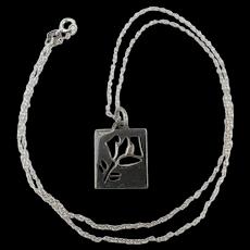 Vintage Tiffany & Co. 925 Cut-Out Flower Pendant Charm Necklace