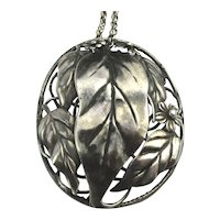 1941 CORO Sterling Craft Pendant Necklace Silver