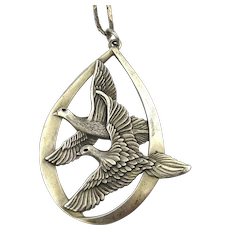 1972 Wallace Sterling Silver Peace On Earth 925 Birds Pendant Necklace