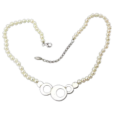 Designer Cultured Pearls Hold Sterling Silver Circles Necklace
