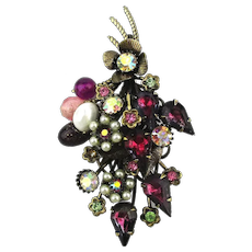 Vintage Pin Brooch - A Jewel Treasure Trove of Stuff