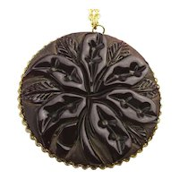 Great Carved BAKELITE Pendant Necklace Maroon to Ruby Red