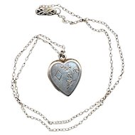 Vintage  Sterling Silver Heart Locket Pendant Necklace