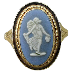 Vintage 14K Gold WEDGWOOD Blue Jasperware Cameo Ring