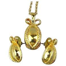 Vintage Joan Rivers Gilded Pendant Necklace Earrings Set
