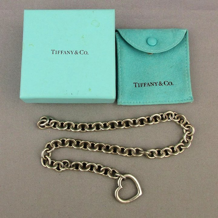 b0d431a5d Vintage Tiffany & Co. Sterling Silver Heart Clasp Necklace w/ Box ...