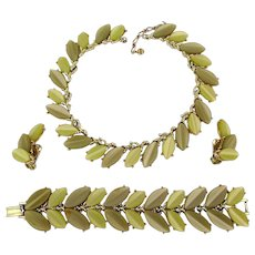 Signed KRAMER Thermoset Parure Necklace Bracelet Earrings Set