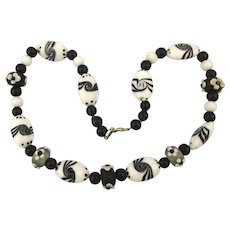Black and White Decorated Art Glass Bead Necklace