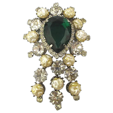 Really Nice Vintage Rhinestone Pin w/ Big Faux Emerald - Crinkled Pearls