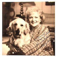 Vintage Authentic Autographed Photo Betty White w/ Dog
