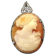 Pretty Gal Sterling Silver Carved Shell Cameo Pendant Necklace