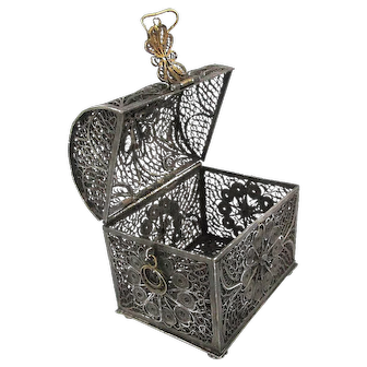 Old 800 Silver Filigree Trinket Box Domed Trunk Woven Wire Work
