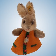 Steiff Rabbit Nightcap, 1968 to 1973, Steiff Button