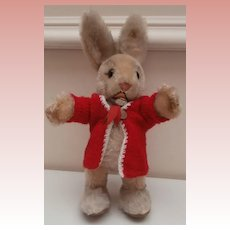 Steiff Ossili Rabbit 1962 to 1974, Steiff Button