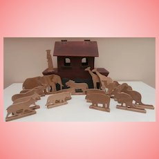 Vintage Primitive Noah's Ark, Noah and 16 Animals
